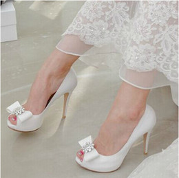 Wholesale Custom Sheepskin - Top Quality Crystals Wedding Shoes 9.5cm High Heel Bridal Shoes Custom Made Ivory Red Party Women Shoes For Wedding