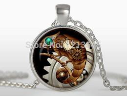 2019 encantos lagarto Relógio de personalidade de pingente lagarto steampunk colares encantos pingente banhado a prata jóias FTC-N322 desconto encantos lagarto