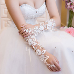 Wholesale Crystal Party Gloves - Cheap Bridal Gloves Romantic Lace Crystal Wedding Party Gloves Below Elbow Length Wedding Bridal Gloves Free Shipping