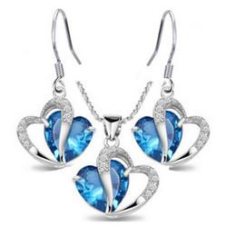Presente quente! 18 K Branco Banhado A Ouro Conjuntos de Jóias das Mulheres Azul de Safira Coração Crystal Clear Cluster Brincos Colar de Pingente para o Partido de