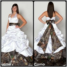 Wholesale halter neck vintage wedding dress - V Neck Halter Satin Camo Wedding Dresses 2016 Backless A Line Wedding Dresses Beach Bridal Gowns Plus Size