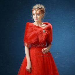 Wholesale Elegant Wedding Bolero - Elegant Red White Faux Fur Cape Stole Bridal Wraps For Wedding Winter Warm Women Prom Evening Bolero Shawls With Rhinestone Brooches Cheap