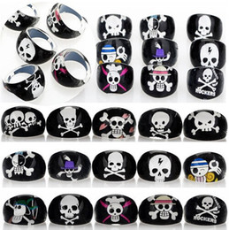 Wholesale cheap asian jewelry wholesale - Wholesale Lots 60pcs Black Resin Lucite Skull Head Pattern Kid Children Rings Jewelry Cheap Rings Jewelry Free Ship