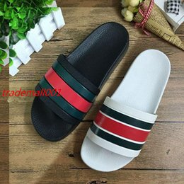Wholesale Mens Gladiators - hotsale 2017 mens fashion outdoor beach flat rubber slider sandals with striped embossed leather size us 7-11