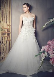 Wholesale Gold Allure Bridal - 2016 Romant 3D-Floral Appliques Wedding Dresses A Line Sweetheart Spring Beach Wedding Gowns Custom Made Wedding Dress Allure Bridal Gowns