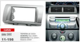 Radio fascias online-Fascia radio CARAV 11-198 di alta qualità per TOYOTA bB / SUBARU Dex / DAIHATSU Coo; Fascia per installazione materia Stereo Dash CD Trim Kit1