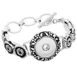 Wholesale Vintage Indian Bead Bracelet - Vintage Flower NOOSA Snap Button Charm Bracelet Silver Interchangeable Jewelry Ginger Snaps Jewelry Fashion DIY jewelry for women 3 Button