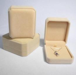 Wholesale Wholesale Velvet Jewelry Boxes - Velvet Jewelry boxes 8*7*4cm Pendant Necklaces Box Packing Cajas De Regalo Gift Boxes Caixas Para Presente Wholesale Free Ship 0015PACK