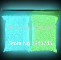Бесплатная доставка!!! 100 грамм / лот зеленый / синий цвет свечение в ночное время Фея крошечные рок пыли световой песок для galss Вейл бутылки cheap glowing sand от Поставщики светящийся песок