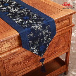Wholesale chinese wedding beds - Classic Chinese knot Luxury Damask Table Runners Wedding Decorative Cherry blossoms End Table cloth Vintage Bed Runner L200 x W 33cm