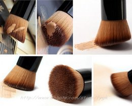 Wholesale Flat Top Brushes - Full Featured Makeup Brush For Foundation Blush Cream Flat Top Buffing Foundation Brush Basic Tool Wooden Handle