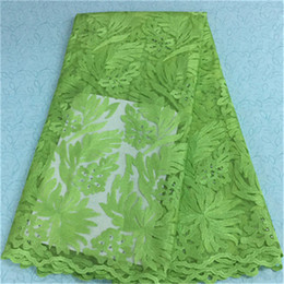 2019 robes en dentelle vert citron Beau tissu de dentelle net français avec de gros jacquard vert citron et de perles en dentelle africaine tissu pour la robe de soirée BN8-7,5 yards / pc robes en dentelle vert citron pas cher