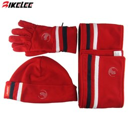 Wholesale Thermal Set For Women - Wholesale-2015 XUEYU new fashion 3pcs set winter Hat scarf gloves windproof thermal red color for man woman size S L free shipping