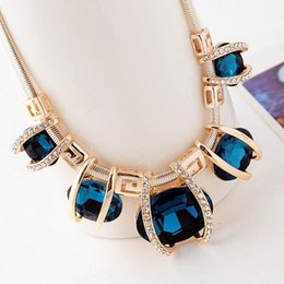 Wholesale Vintage Green Rhinestone Necklace - Pendant Necklaces High Quality Women Vintage Jewelry Pendant Chains Necklace For Women Statement Necklace crystal diamante Choker Necklaces