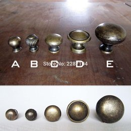 Wholesale Box Cabinets - Wholesale- 2pcs Antique Brass Vintage Bronze Round Furniture Jewelry Chest Box Cabinet Cupboard Dresser Drawer Door Window Handle Pull Knob