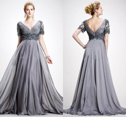 Wholesale Mother Short Sleeve Dresses - Silver Gray Long Prom Dresses V Neck Short Sleeves Pleated Appliques Beaded Chiffon Plus Size Backless Mother Of The Bride Dresses