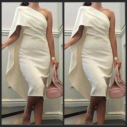 2016 robes de soirée élégante porter une épaule Sexy pas cher longueur au genou cocktail robe de soirée robes de soirée des femmes en Arabie Ivoire Satin ? partir de fabricateur