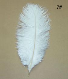 Cor de pluma on-line-50 pcs 30-35 cm / 12-14 '' cor Branca avestruz plumas decorativas decoração de mesa de mesa de casamento centrais peças para venda a granel