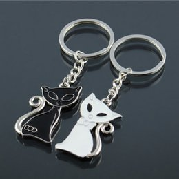 Wholesale Keychains For Couples - 2017 Hot Sale Cute Couple Cat Keychain for Lovers Alloy Fashion Enamel Jewelry Ring For Car Key Chain Valentine's Day gift K83