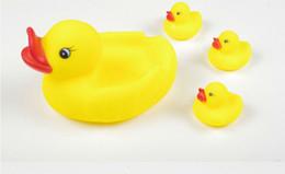 Wholesale Soft Bathtub - Novelty Harmless Rubber Soft Duck Bathroom Bath Tub Shower Toy for Baby Kids Children Bathtub Cute Toys,Yellow Kid Bath Toys
