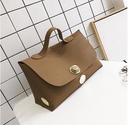2019 quasten-eimer tasche blau Herbst Neue Handtaschen 2017 Europäische Und Amerikanische Mode Boston Big Bag Große Kapazität Pendler Schloss Handtasche
