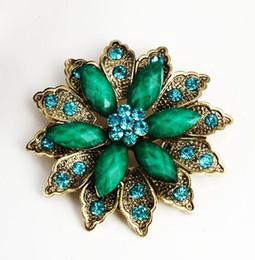 Wholesale Korean Cheap Jewelry Wholesaler - Korean Fashion Wedding Flower Heart Brooches Crystal Cheap Women Brooches Pins Wholesale Fashion Vintage Jewelry xmas Gift 6*6cm