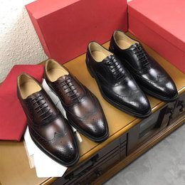 Wholesale elegant black wedges - 2017,Italian designer gentleman Fashion luxury this elegant lace-up combines plain calf leather with Epi-embossed calf leather free shipping