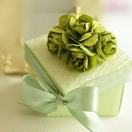 Wholesale Emerald Green Ribbon - 65*65*38mm Emerald Green Square Candy Boxes Handmade Flower Candy Box High Quality With Ribbon Trim Wedding Favor Holders 2016 Free Shipping