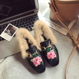 Wholesale Women Pvc Collar - 2017 autumn and winter new handmade embroidered metal buckle chain rabbit fur collar mouth velvet rubber non-slip flat bottom sole shoes siz