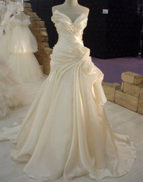 Wholesale Cheap Sweetheart Cathedral Wedding Dress - Beige Wedding Dresses 2016 Bridal Gowns Real Pictures Sweetheart Ruched Court Train Beaded A Line Cathedral Wedding Gowns Cheap