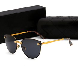 Wholesale hot pink designer eye frames - 2018 French Hot sale Luxury brand designer women glasses vintage men sunglasses frame gold pink mirror lens with logo case box