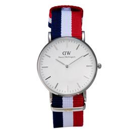 Relojes de cuarzo para mujer con reloj de pulsera de cuarzo Relojes de pulsera para cuarzo de nylon Reloje de cuarzo con hebilla 0103DW-25 desde fabricantes