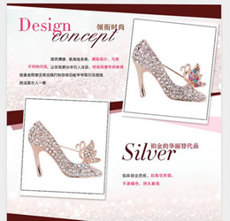 Wholesale Wholesale Shoes Heel China - Hot popular personality simple brooch new high-quality Rose Pink Butterfly & high-heeled shoes crystal collar pin brooch
