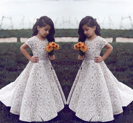 Wholesale Vintage Christmas Formals - Lace Flower Girl Dresses For Wedding Vintage Jewel Short Sleeves A Line Girls Pageant Dress Sweep Train Kids Birthday Prom Dress Formal Wear