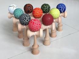 Juguetes de niños japoneses tradicionales online-Madera Kendama Crack Paint Ball kendama bola de la habilidad Malabares Juego Ball Japanese Traditional Balls Juguetes Educativos Niños Regalo en stock