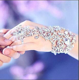 Wholesale Wedding Bridal Party Jewerly - 2016 New Wedding Bridal Party Prom Jewelry Crystal Rhinestones Diamonds Bracelet With Ring Wristband Bracelet CPA319