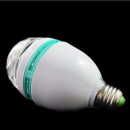 10 unids Coolorful 3 W Giratorio RGB LED Etapa de Cristal Lámpara de la Bombilla Mágica Fiesta de Discoteca DJ G792 G332 G82 con caja de paquete al por menor desde fabricantes