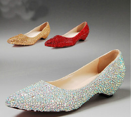 Wholesale Low Kitten Heel Silver Shoes - New Fashion Pointed Toe Wedding Party Dress Shoes Bridal Shoes Sparkling Silver Bridesmaid Shoes Kitten Heel AB Crystal Mother Bride Shoes