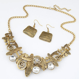 Wholesale Indian Silver Jewellery Set - Fashion Brand Style Vintage Necklace Earring Jewelry Sets Women Jewellery Retro Hollow Flower Crystal Decoration Jewelery