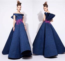 Vestidos azzi osta online-Vestidos de noche de encaje 2016 fuera del bordado de hombro Vestidos de baile Azzi y Osta Ball Prom Vestidos de una línea Modest Design Celebrity Vestidos de noche