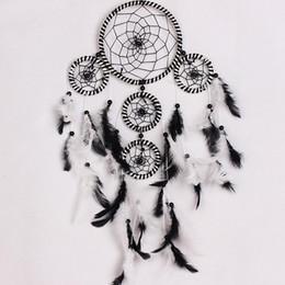Inde Style À La Main Blanc Et Noir Rêve Catcher Net Circulaire Avec Plume Suspendue Décoration Décor Ornement Cadeau ? partir de fabricateur