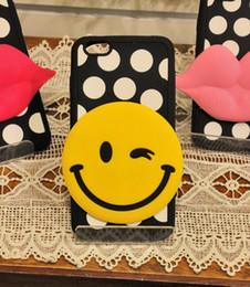 Iphone point blanc en Ligne-Silicone 3D Cartoon Pour Apple iPhone 5 5s 6 6S plus étuis en silicone souple couverture jaune sourire couverture noire blanche Polka Dot mobile