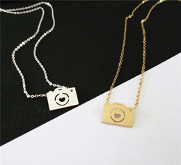Wholesale Camera Charms Jewelry - 2016 New Fine Jewelry Stainless Steel Collares Necklace 18k Gold Silver chain Vintage Camera Necklace Pendants For Women And Men