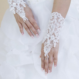 Wholesale Sequin Glove Applique - New Style 2016 Weddings Dress Cheap Bridal Gloves Accessories Short Fingerless Glove Crystals Sequins Sexy Appliques White Bow With Lace S2