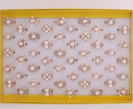 2015 Sıcak satış moda kadın / kız takı Mozaik inci kristal modelleme Gül altın yüzük Karışık stil Onaylandı renk halka 50 Adet / grup nereden