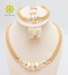 Wholesale Bridal Jewlery Sets - Free Shipping African Gold Plated Charming Fashion Romantic Bridal Fashion Necklace Crystal Vintage Women Costume Jewlery Sets