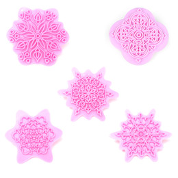 Wholesale Decorate Cake Plastic Lace - Wholesale-5Pcs Set Lace pattern Flower Shape Plastic Cookie Cutter Embossing Mold Fondant Pastry Press Cake Decorating Confectionery Tool