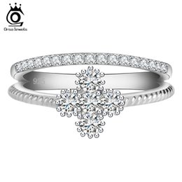 Wholesale Band China - ORSA New Arrival Women Wedding Rings Platinum Plated Clear Zircon Sweet Flower Shape Ring for Ladies OR64