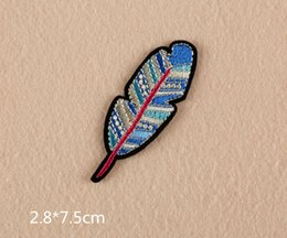 Wholesale Hand Embroidered Badges - New feather yes eyeball hand Embroidered Patches Badge Bag Clothing Shoes Sewing Crafts DIY