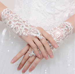 Wholesale Bling Gloves - Romantic Lace Waist Length Bridal Gloves Without Figures Sequined Wedding Gloves Bling Cheap In Stock Free Shipping
